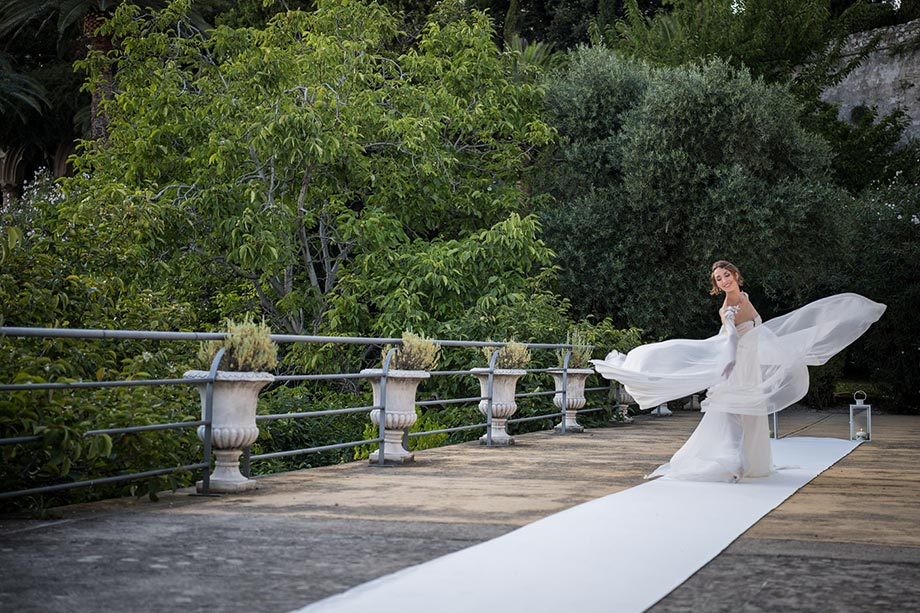 Fairytale Weddings Golden Shades of Water: Ph. Paolo Berzacola