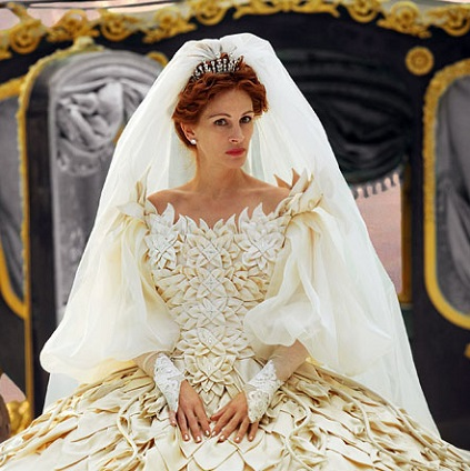 Julia Roberts wearing a tiara in the movie Mirror Mirror
